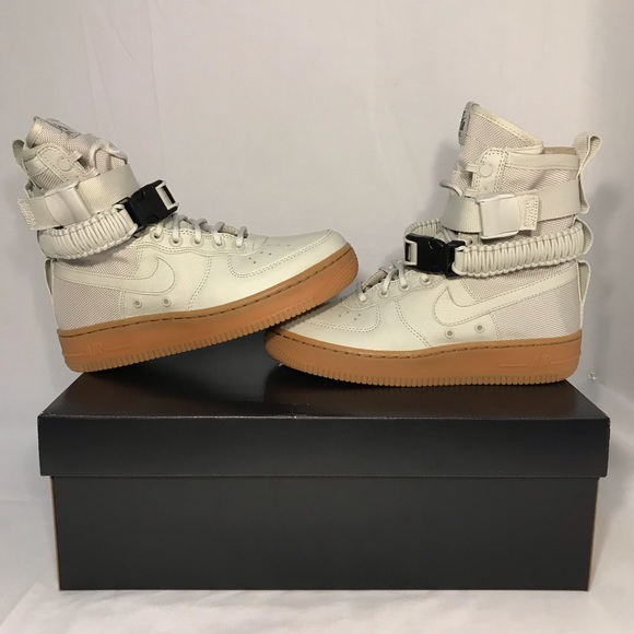 finest selection fee37 e300c NIKE Special Field Air Force 1 Winter Shoes Boots